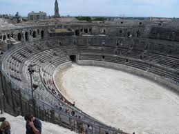 Anfiteatro di Nimes