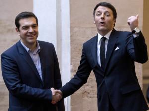 Matteo Renzi e Alexis Tsipras a Palazzo Chigi, Roma, 3 febbraio 2015. (AP Photo/Andrew Medichini)