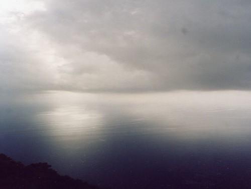 nebbia-sul-mare-7495b31c-a136-4e98-8a24-00029798a692