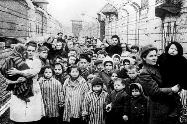 donne-e-bambini-nei-lager-nazisti