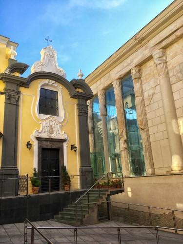 cattedrale-di-pozzuoli-tempio-di-augusto-napoli-esterno-internettuale
