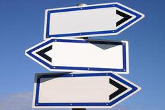 signpost-tre-vie-bianco-di-senso-1293020
