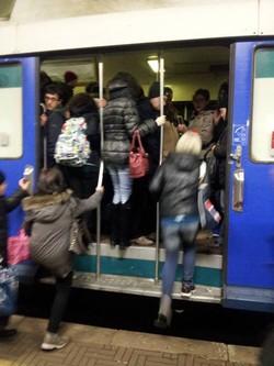 treni-ritardi-record-su-5-linee-scatta-il-bonus-per-i-pendolari_7c47aa8a-b58f-11e3-b2a8-c79bf853be59_cougar_image