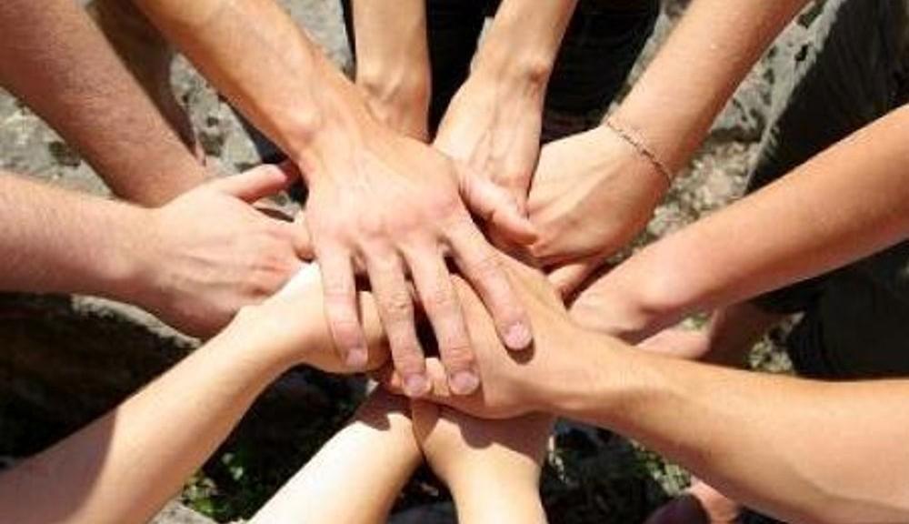 volontariato_-_sociale_-_mani_2-2