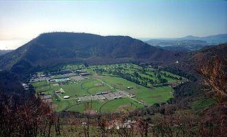 Monte_Gauro_-_la_caldera_occupata_dal__Carney_Park__-_Pozzuoli_(NA)_-_2000