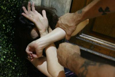 violenza_donna_stupro_fg