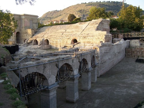 stadio-romano-di-Antonino-Pio-Pozzuoli-1