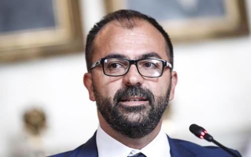 il ministro dell'Istruzione Lorenzo Fioramonti al Miur durante  presentazione terza edizione di Fiera Didacta, Roma 19 settembre 2019. ANSA/GIUSEPPE LAMI